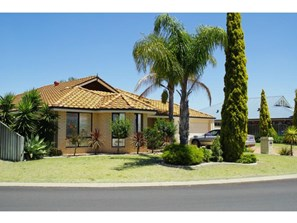 Main photo of 3 Glenfield Drive, Australind - More Details
