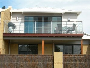 Main photo of 2/1 Wyndham Avenue, Cowes - More Details