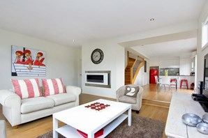 Main photo of 4/2 Kate Court, Cowes - More Details