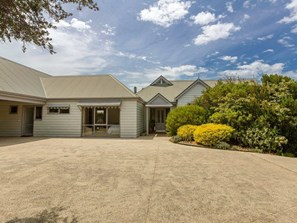 Main photo of 4 Kimberley Court, Blairgowrie - More Details