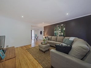 Main photo of 32 Brentwood Drive, Daisy Hill - More Details