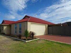 Main photo of 7 Finch Way, Eaton - More Details