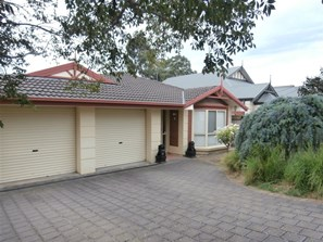 Main photo of 1A Maurice Ave., Rostrevor - More Details