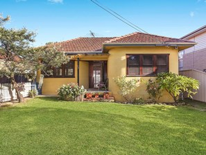 Picture of 12 Jellicoe Street, Caringbah South