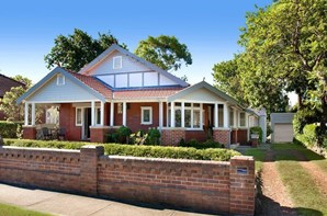 Picture of 35 Chesterfield Road, Epping