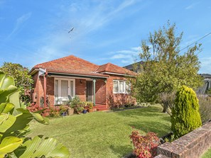 Picture of 48 Jellicoe Street, Caringbah South