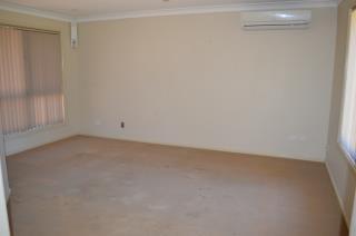 17 Eden Park Avenue, DUBBO NSW 2830, Image 7