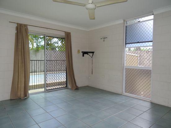 1/133 martyn street cairns QLD 4870