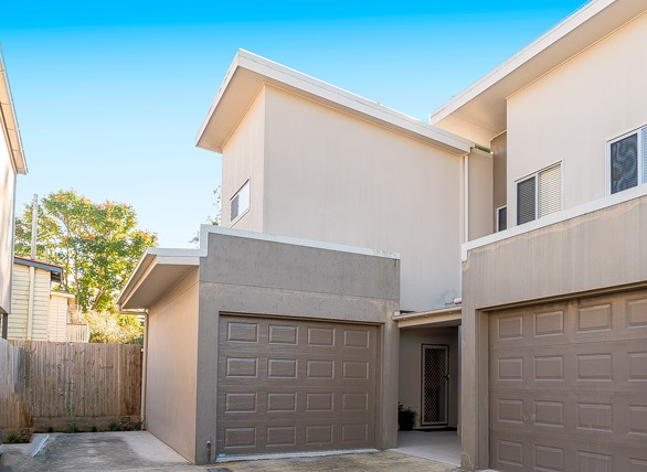 Picture of 2/16 Broadmere Street, Annerley