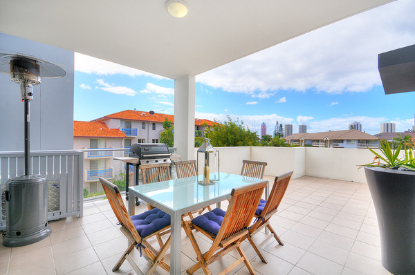43 anembo street surfers paradise QLD 4217