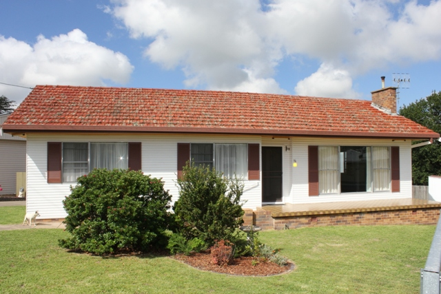 Photo of 16 King Street URALLA, NSW 2358
