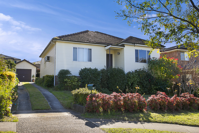 Picture of 11 Eastview Avenue, North Ryde