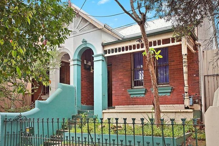 302 edgeware road newtown NSW 2042