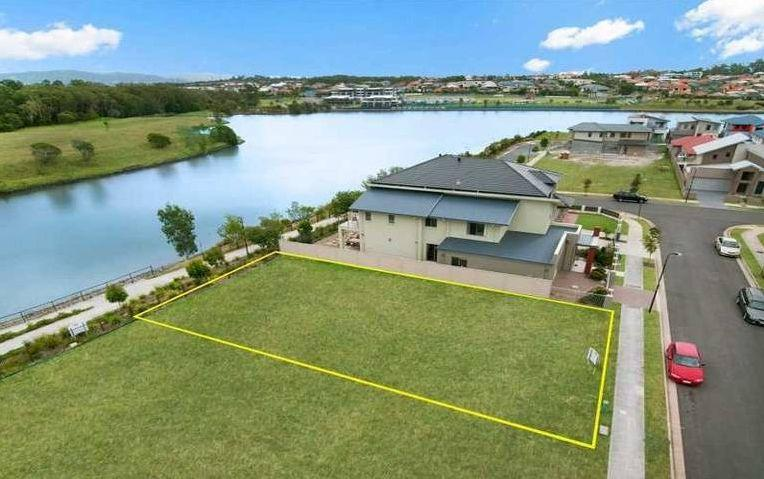 Picture of 5 Jurien Crescent, Varsity Lakes
