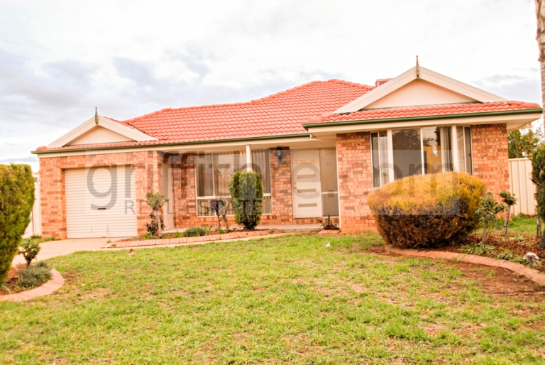 Photo of 20 Wyvern Crescent GRIFFITH, NSW 2680