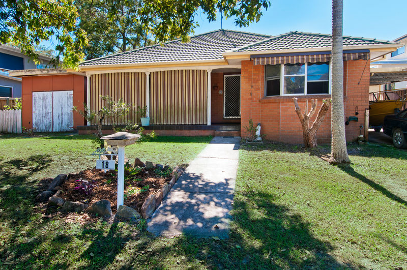 18 david campbell street north haven NSW 2443