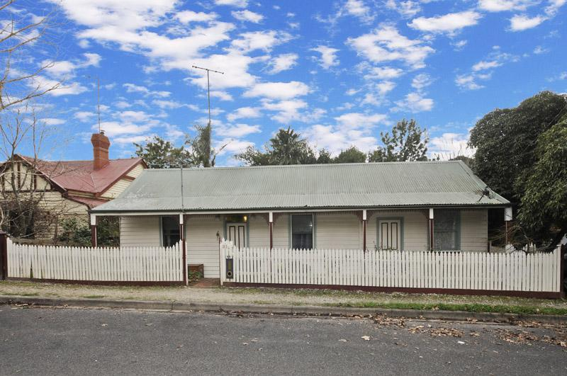 Picture of 31 Symons Street, Healesville