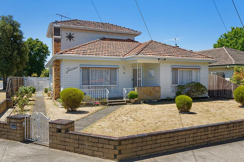 15 brooks street bentleigh east VIC 3165