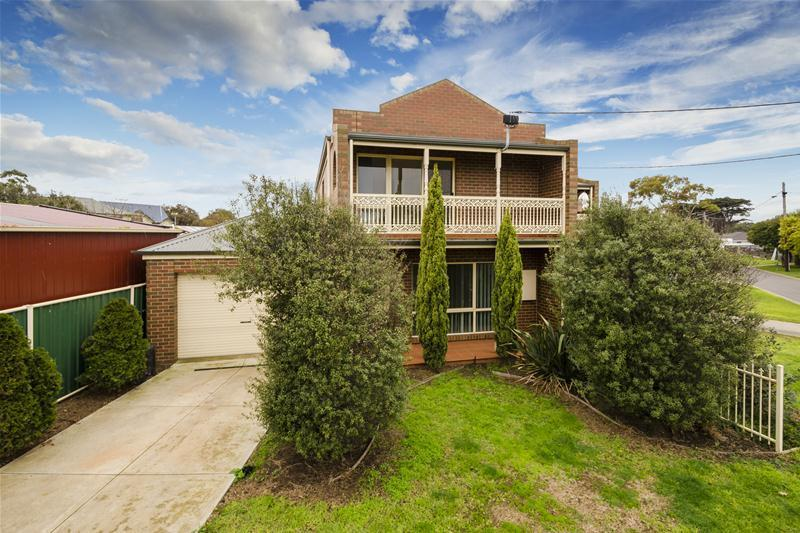 1/9 finch road werribee south VIC 3030