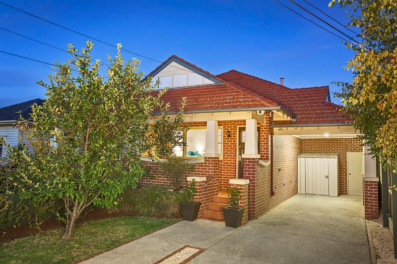 24 sunnyside grove bentleigh VIC 3204
