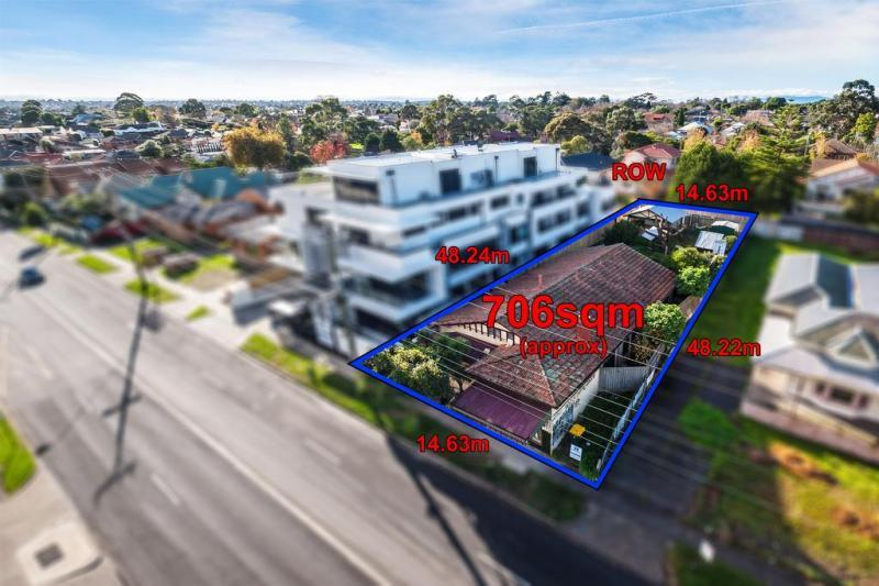 744 station street box hill VIC 3128