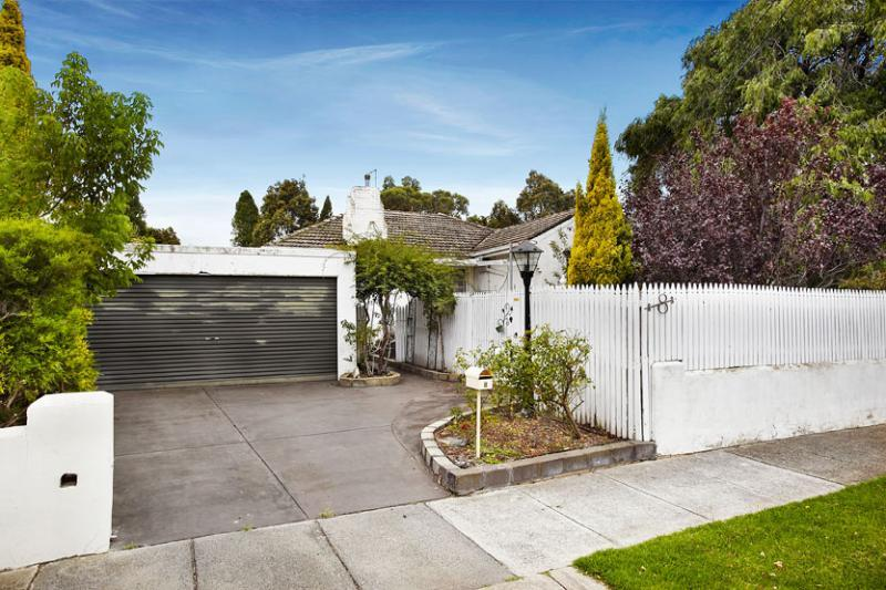 Picture of 8 Hodgson Grove, Bentleigh East