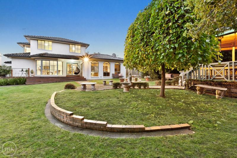 Picture of 3 Toorak Court, Greensborough