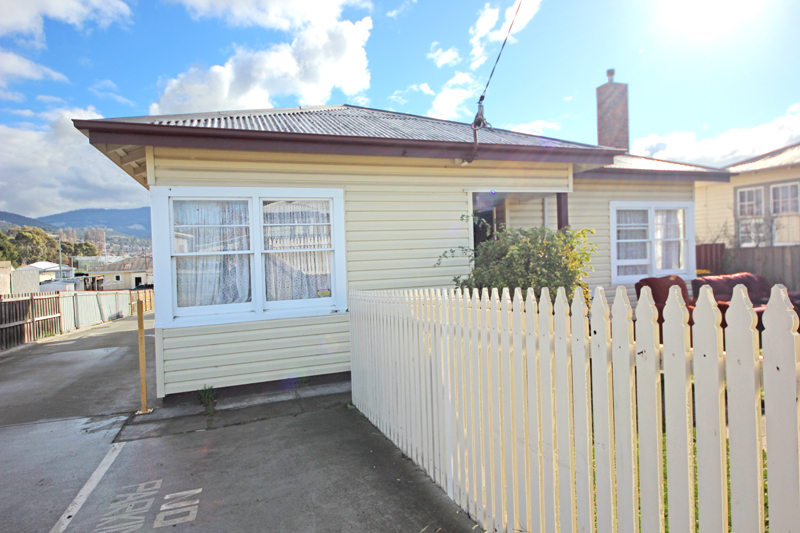 Picture of 1/24 Elwick Road, Glenorchy