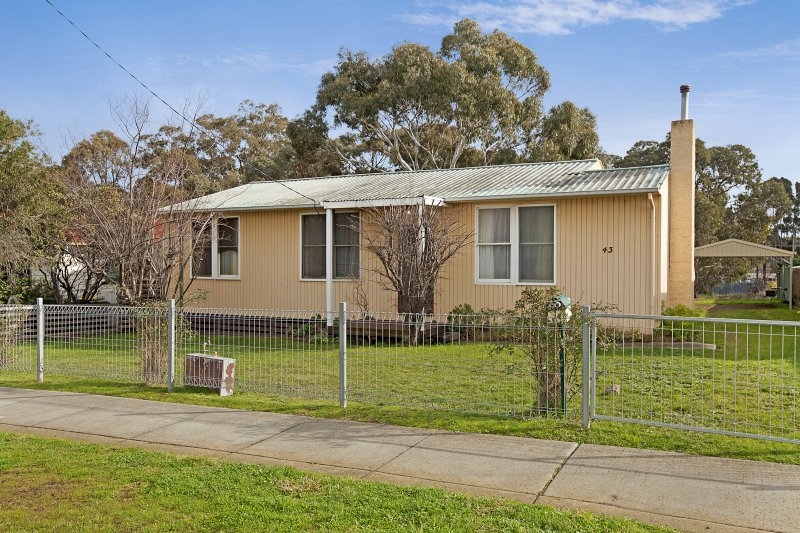 Picture of 43 Ferguson Street, Broadford