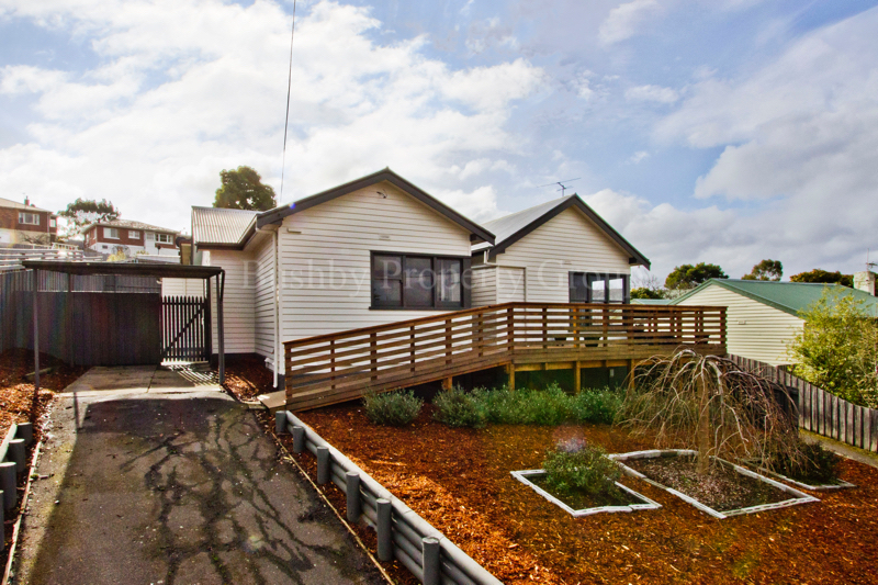Picture of 1/12 Weedon Avenue, South Launceston