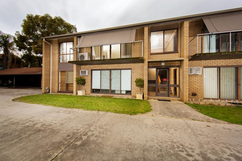 Picture of 4/616 Griffith Street, Albury