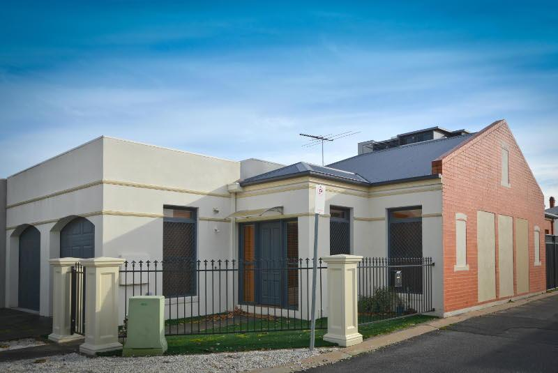 Picture of 20 Golden Way, Albury