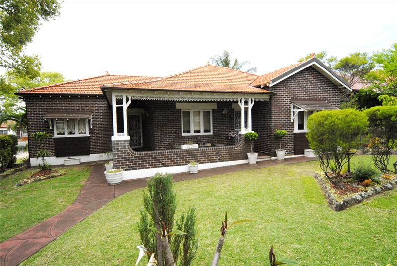 88 russell st russell lea NSW 2046