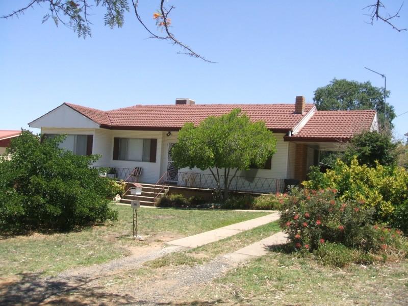 Photo of 98 Redfern Street Cowra, NSW 2794