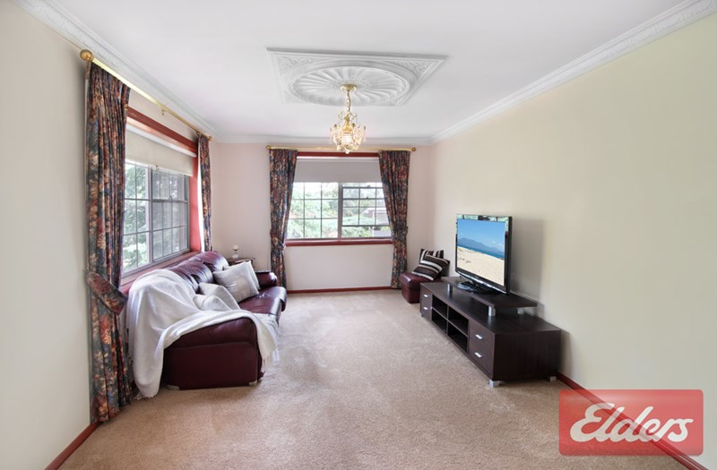 House | 13 Hicks Place, KINGS LANGLEY, NSW 2147 7