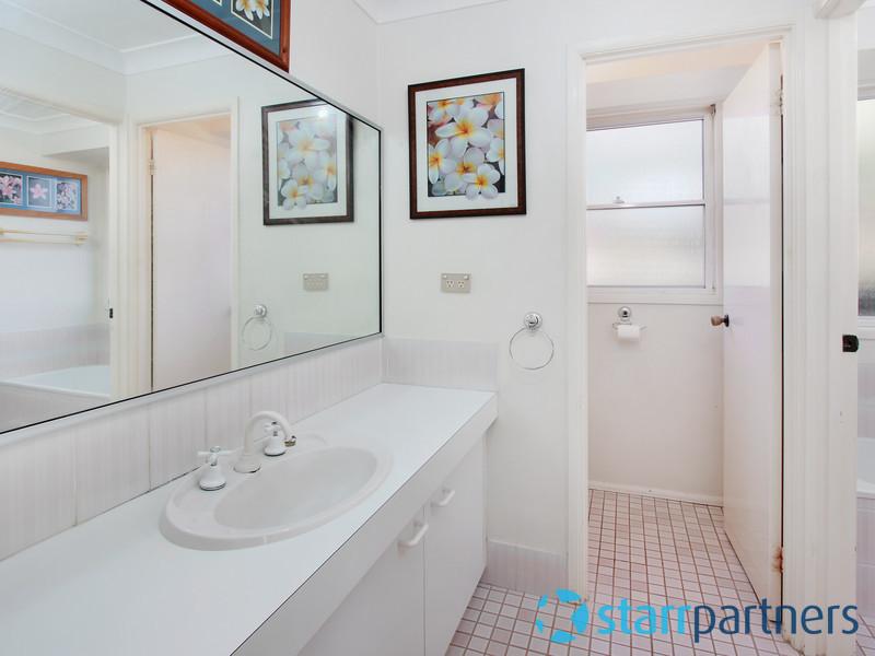 House | 12 Kawana Place, ERSKINE PARK, NSW 2759 4