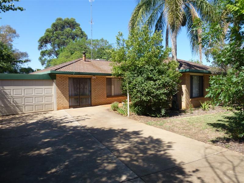 Photo of 15 Buckingham Drive DUBBO, NSW 2830