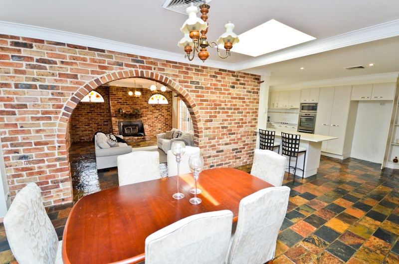 House | 13 Hicks Place, KINGS LANGLEY, NSW 2147 4