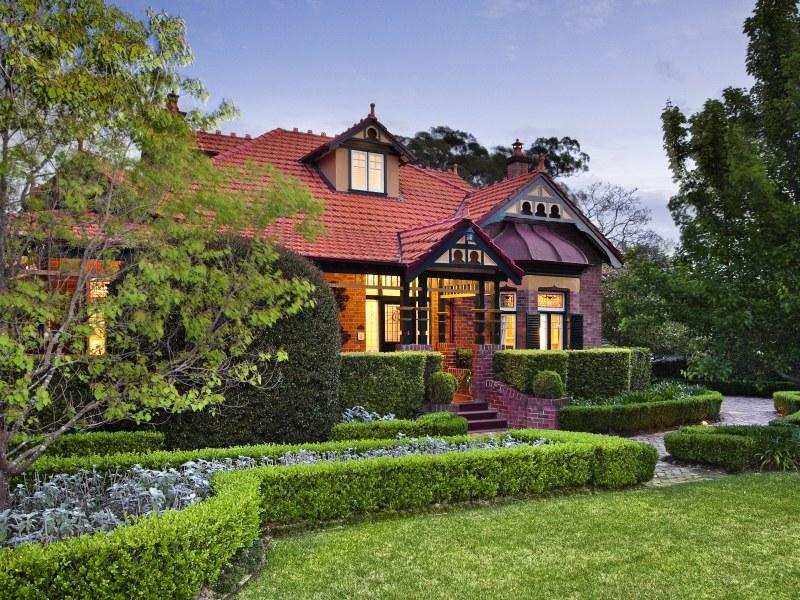 Aberdour, 23 Nelson Street, Gordon NSW 2072, sold for $5.775 million in 2010
