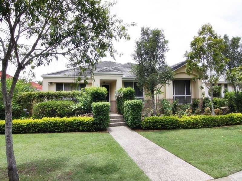 10/11 eden court nerang QLD 4211