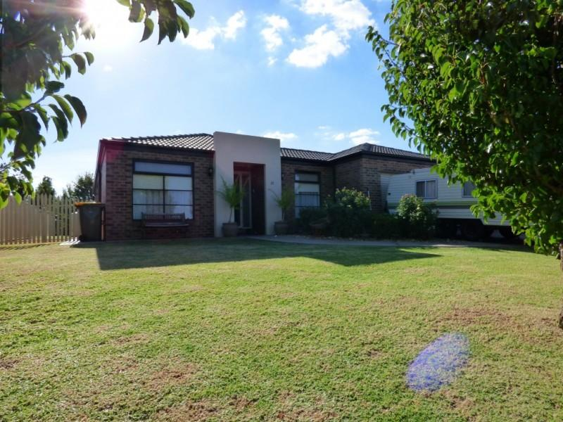 Picture of 37 Citrus Road, Griffith