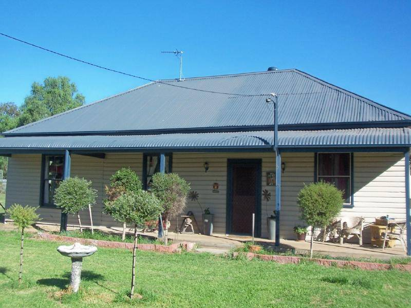 Picture of 13 Hoskins Street, Cootamundra