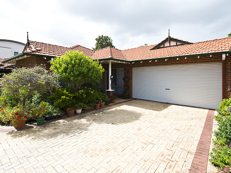 Picture of 2/8 Forbes Road, Applecross