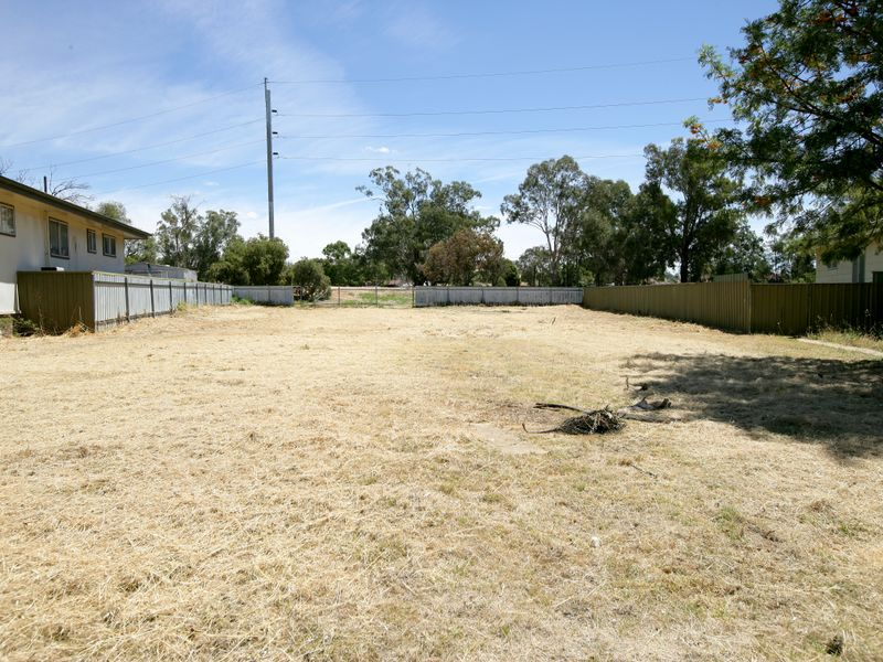 Photo of 4 Oliver Place TOLLAND, NSW 2650