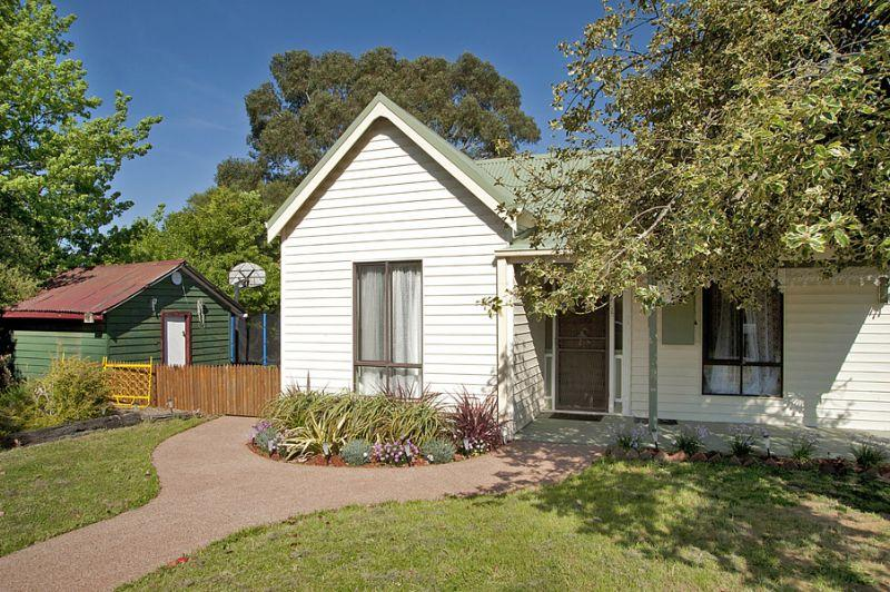 Photo of 16 Little Street DAYLESFORD, VIC 3460