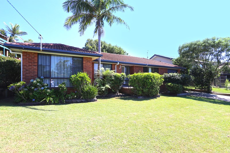 Photo of 11 Nardie Street SAPPHIRE BEACH, NSW 2450