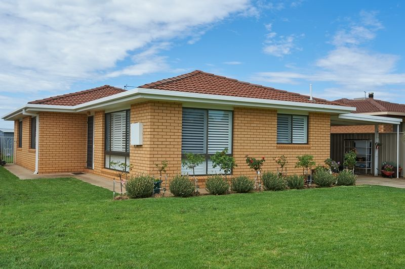 Photo of 51 Eldershaw Drive FOREST HILL, NSW 2651