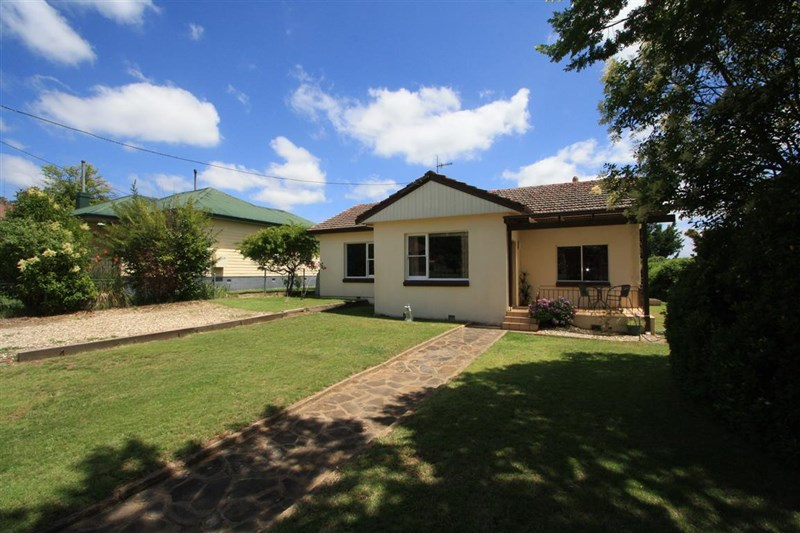 Photo of 35 Victoria Street COOMA, NSW 2630