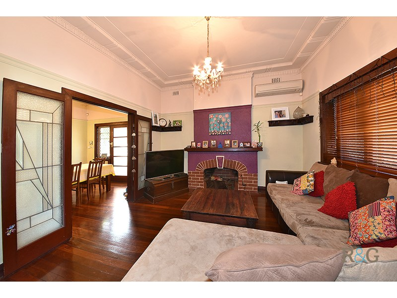 Picture of 374 Canning Highway, Bicton