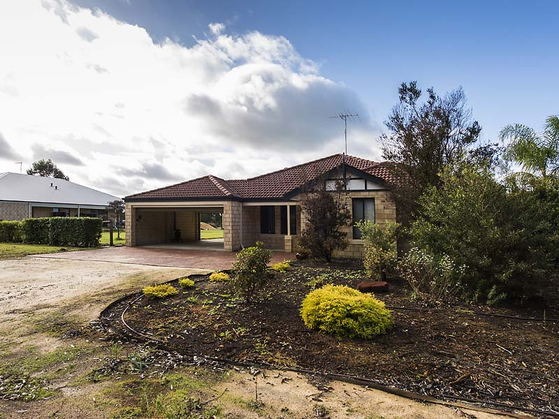 Picture of 61 Eaglehawk Drive, Ravenswood